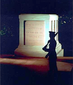 Tomb of the Unknown Soldier at night
